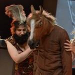 paard-en-vrouw-met-baard
